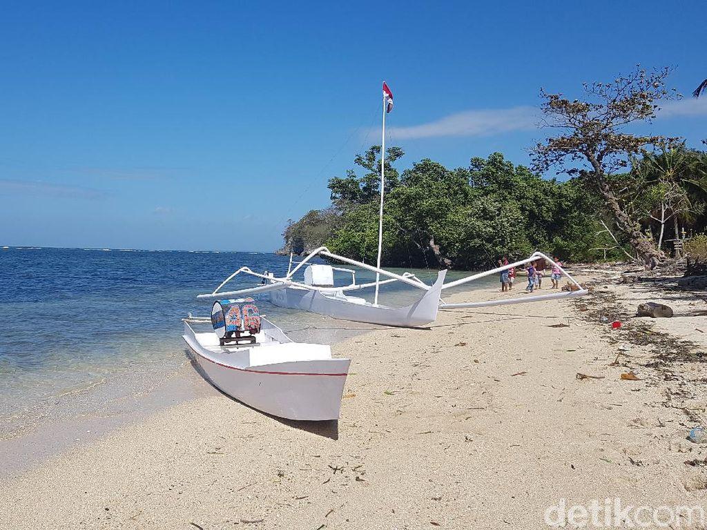 Keren Abis! View Pantai Labuang