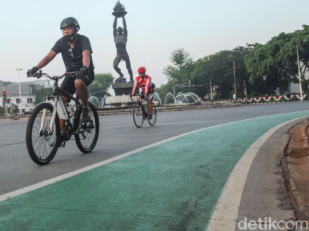 Anies Minta Pemotor Hormati Pesepeda: Naik Sepeda Lebih Berisiko