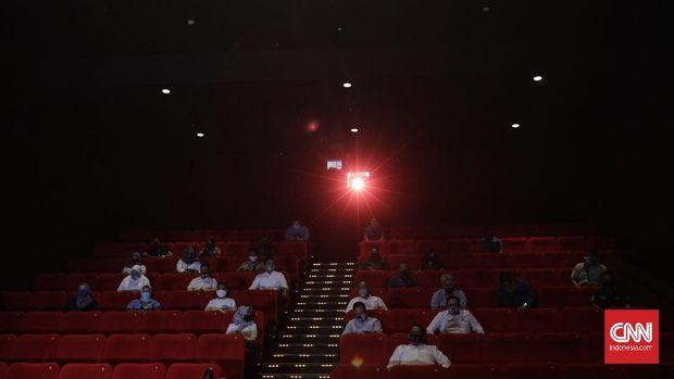 Suasana simulasi pembukaan dan peninjauan tempat hiburan bioskop XXI di Pusat Grosir Cililitan, Jakarta. Sabtu, 29 Agustus 2020. CNN Indonesia/Adhi Wicaksono
