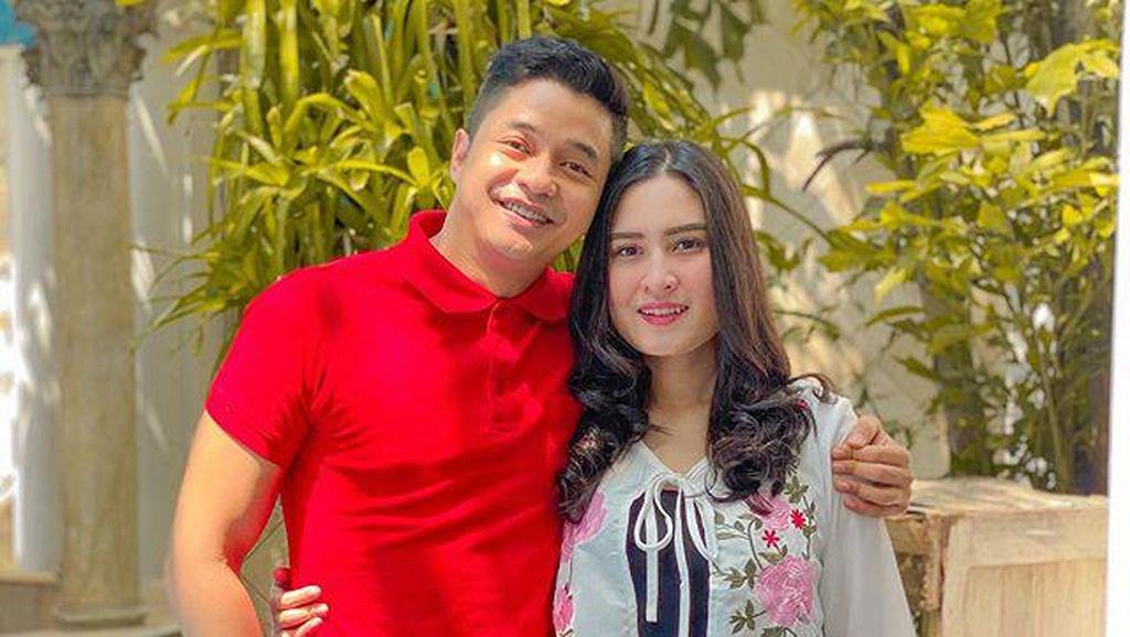 8 Potret Cantik Angbeen Rishi, Calon Ibu Wakil Bupati Karawang