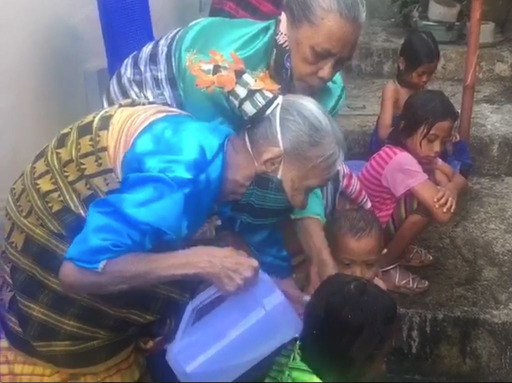 Melihat Tradisi Pekandeana Ana-ana Maelu, Muliakan Yatim Piatu di Baubau