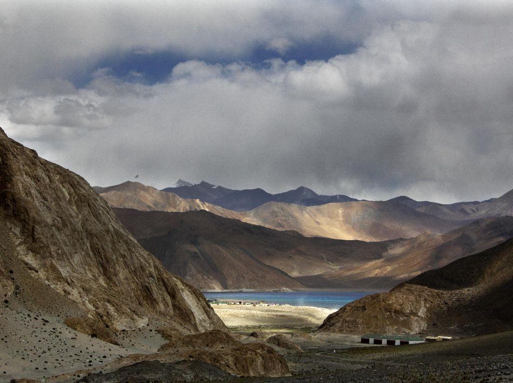 Panas-Dingin Hubungan India-China di Perbatasan
