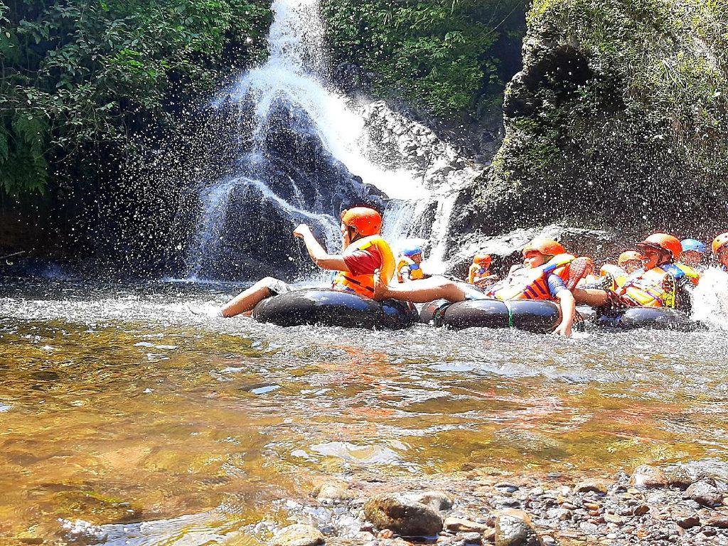 River Tubing Seru di Banyumas, Siap-siap Jantungan!