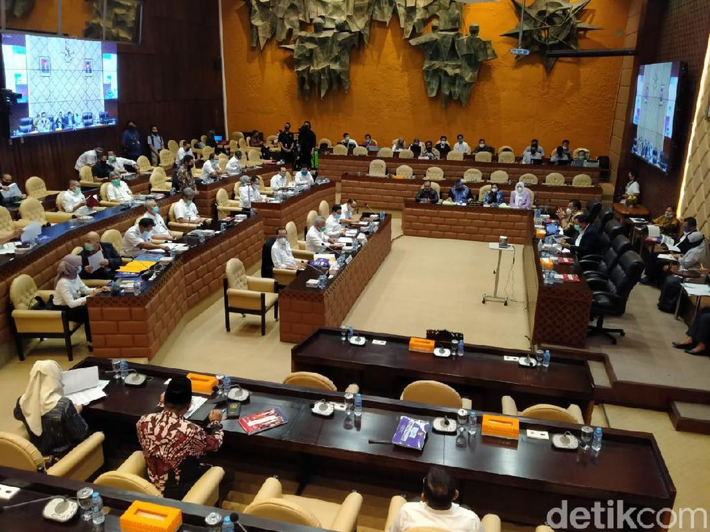 Budi Karya hingga Basuki Rapat Bareng DPR Bahas APBN
