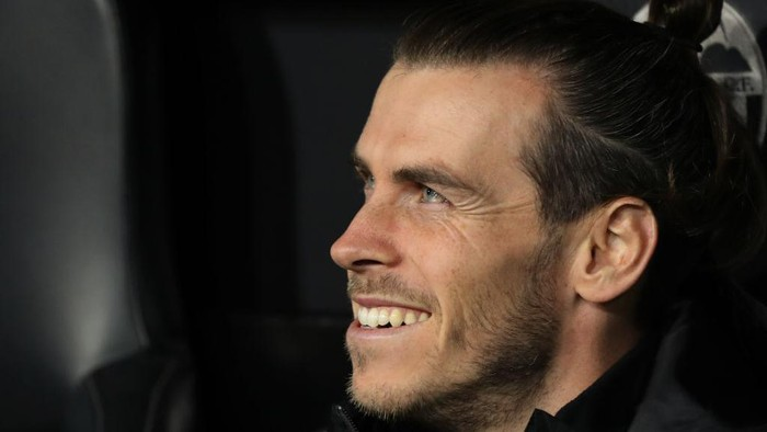 VALENCIA, SPAIN - DECEMBER 15: Gareth Bale of Real Madrid looks on during the Liga match between Valencia CF and Real Madrid CF at Estadio Mestalla on December 15, 2019 in Valencia, Spain. (Photo by Angel Martinez/Getty Images)