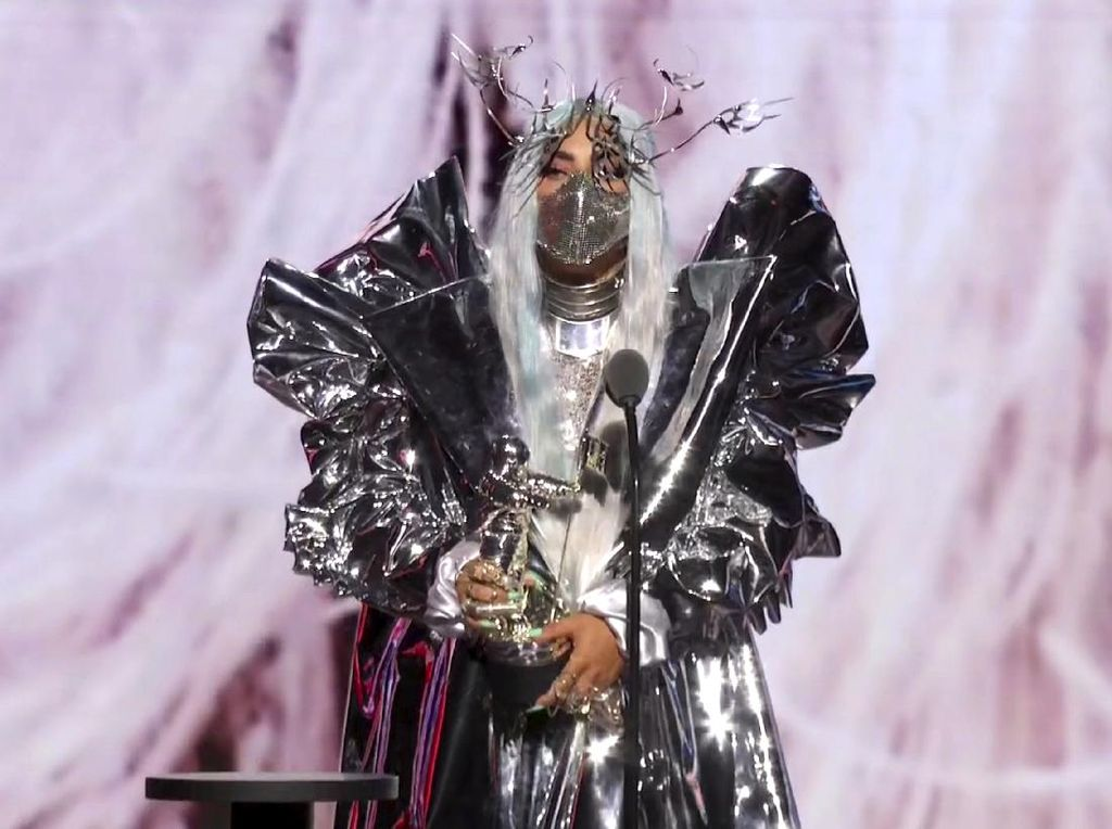 Lady Gaga Tampil Heboh di MTV VMA 2020, 9 Kali Ganti Baju