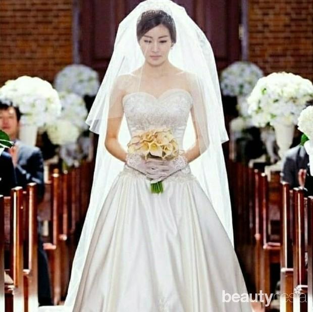 Kang Sora dipersunting sang tunangan yang merupakan seorang apoteker. Pernikahan keduanya digelar tertutup dan hanya dihadiri keluarga kedua mempelai.