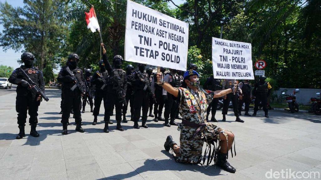 Aksi Damai TNI-Polri Solo Tolak Hoax
