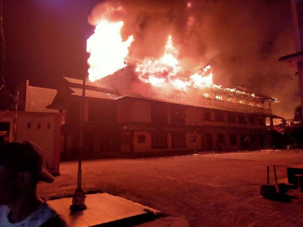 Gedung Kampus STIE di Palu Terbakar, Seluruh Ruang Belajar Hangus