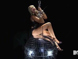 Miley Cyrus Sebut MTV VMA Seksis, Diawali Perdebatan Soal Tata Cahaya