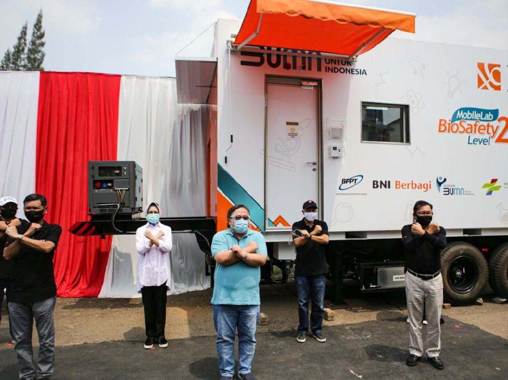 Mobil Laboratorium Bergerak untuk Pemeriksaan COVID-19
