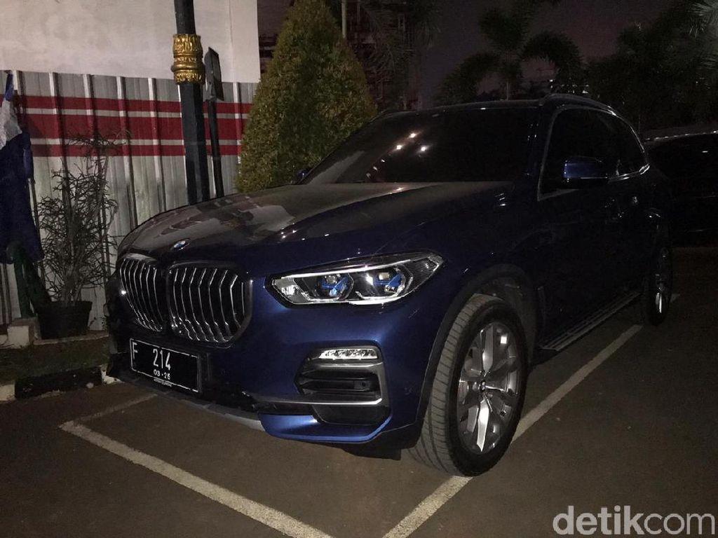 Penampakan Mobil BMW Milik Pinangki Sitaan Kejagung