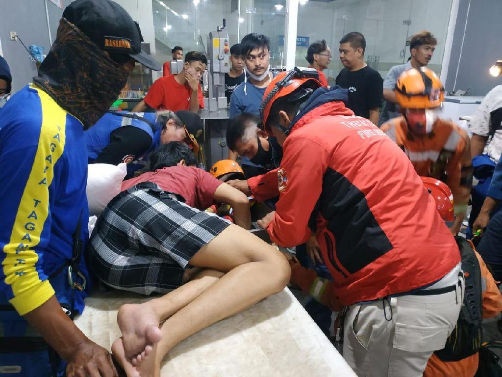 Ngilu! Tangan Karyawan Toko Daging di Depok Masuk Mesin Penggiling