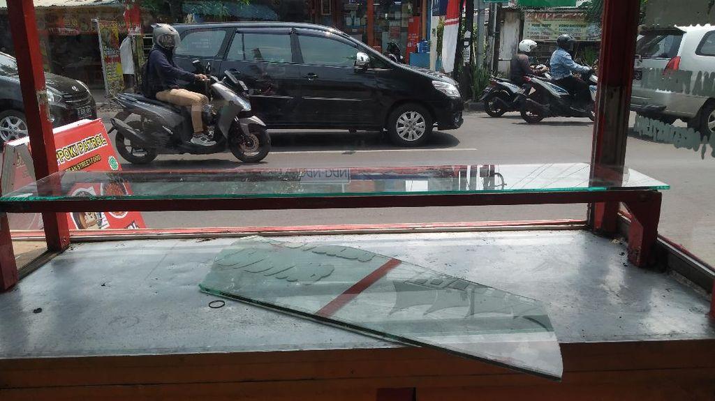 Penampakan Kerusakan Gerobak PKL di Jaktim yang Kasusnya Ditangani TNI