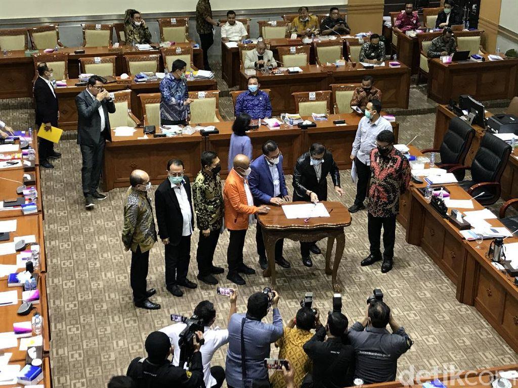 Komisi III DPR-Pemerintah Sepakat RUU MK Dibawa ke Paripurna