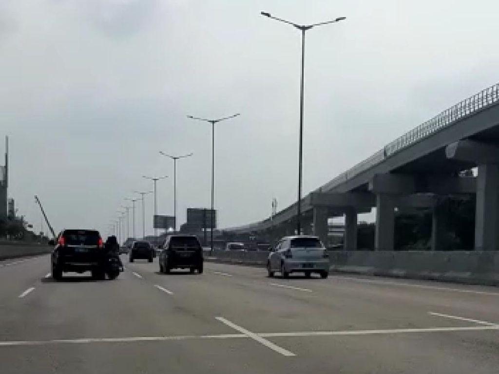 Rambu-Rambu Tol di Indonesia Sudah Jelas, Tidak Ada Alasan Pemotor Menerobos