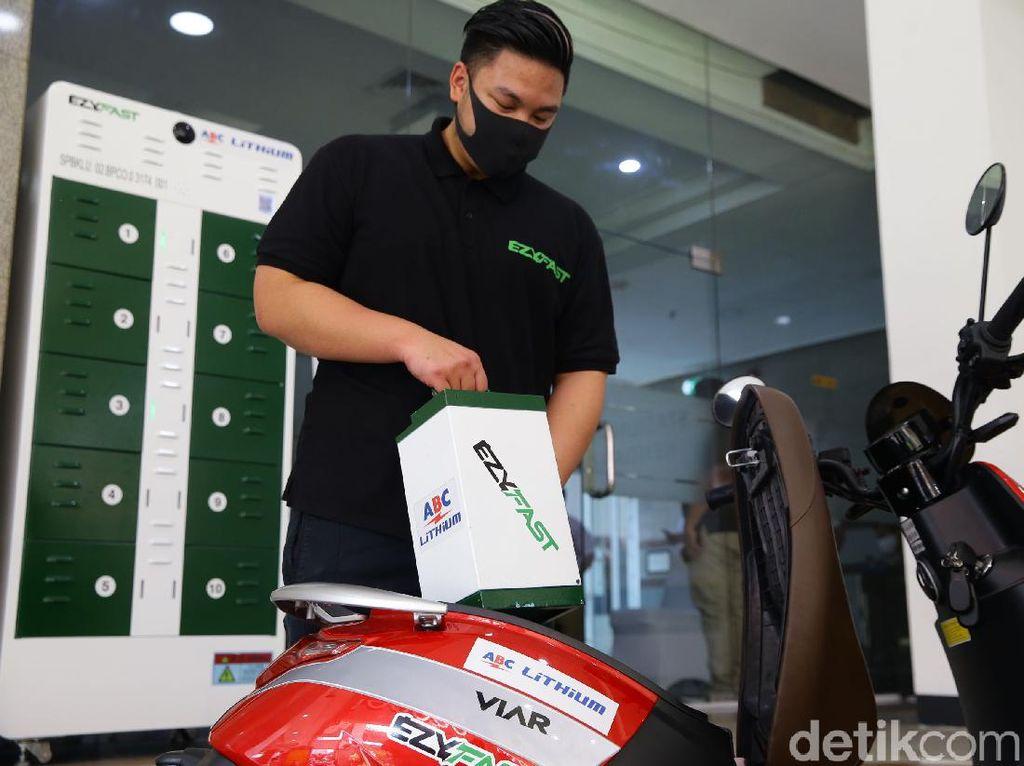 Baterai Motor Listrik Habis Tinggal Tukar Baru, Ini Lokasinya