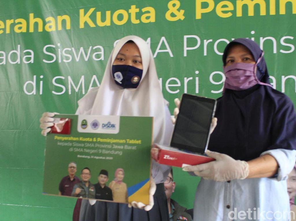 38.323 Siswa SMA di Jabar Dapat Gawai Pinjaman untuk Belajar Online
