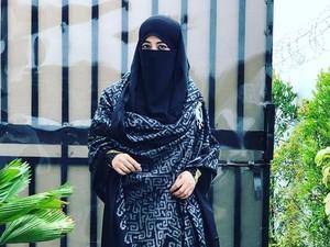 Kepulangan Habib Rizieq Disambut Haru Umi Pipik