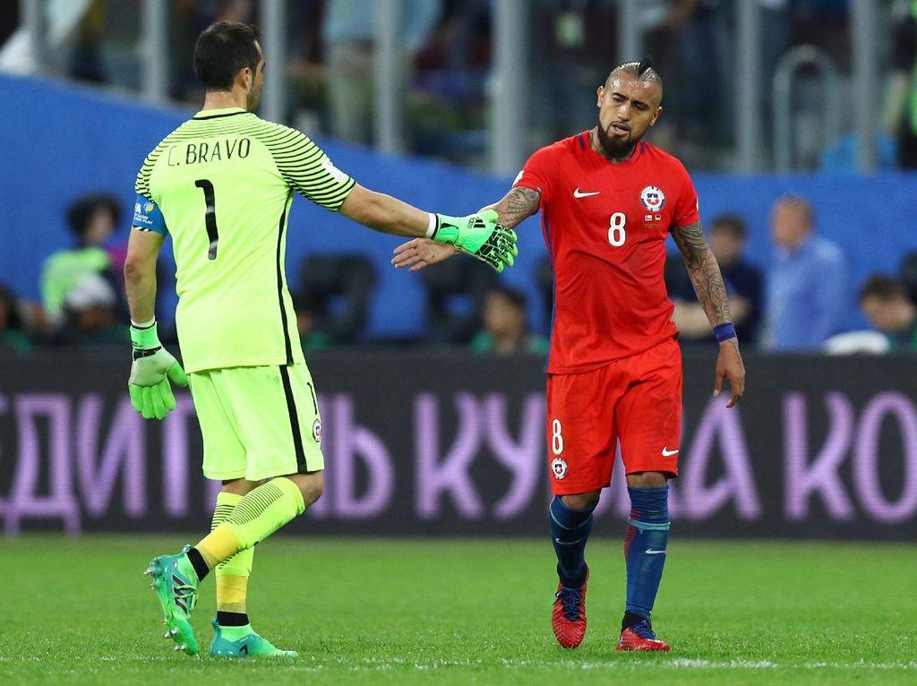 Arturo Vidal Tidak Lagi Berteman dengan Claudio Bravo