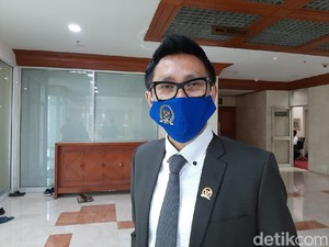 Foto Eko Patrio di Gedung DPR Jadi Bulan-bulanan Netizen