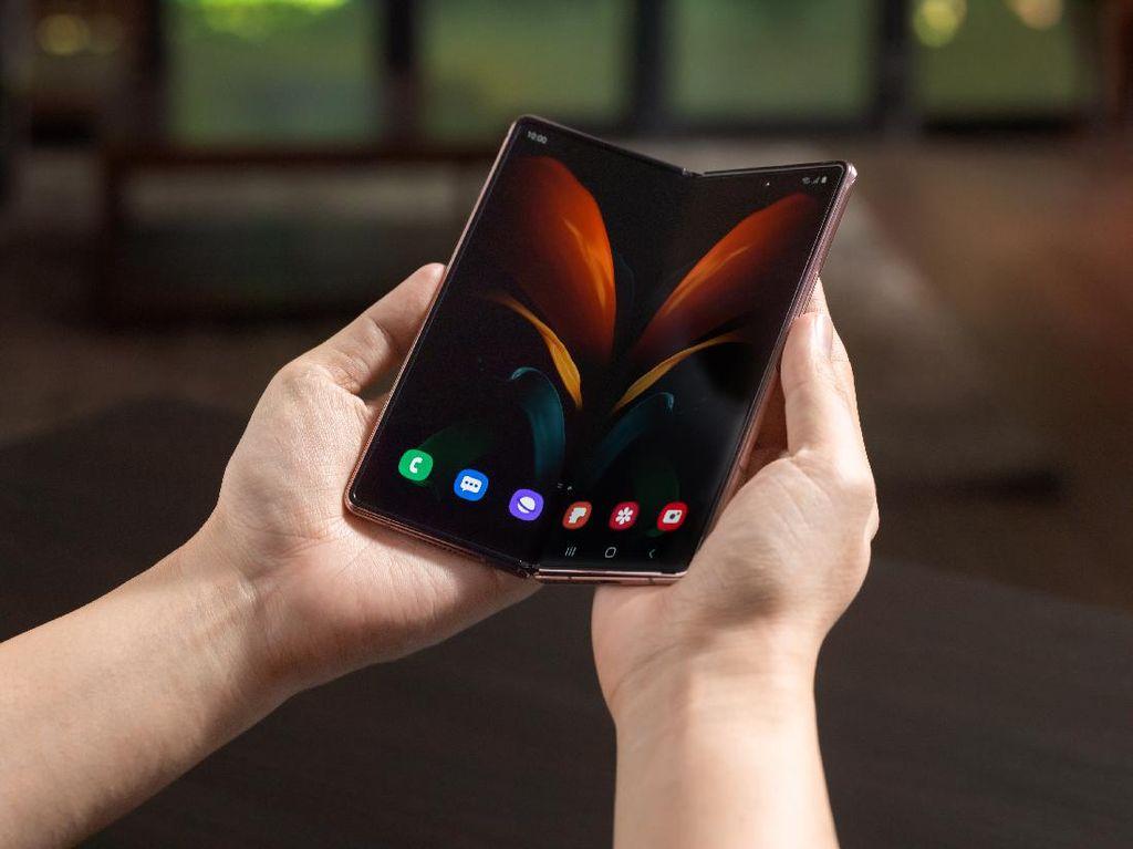Galaxy Z Fold 2 Tak Hanya untuk Para Sultan
