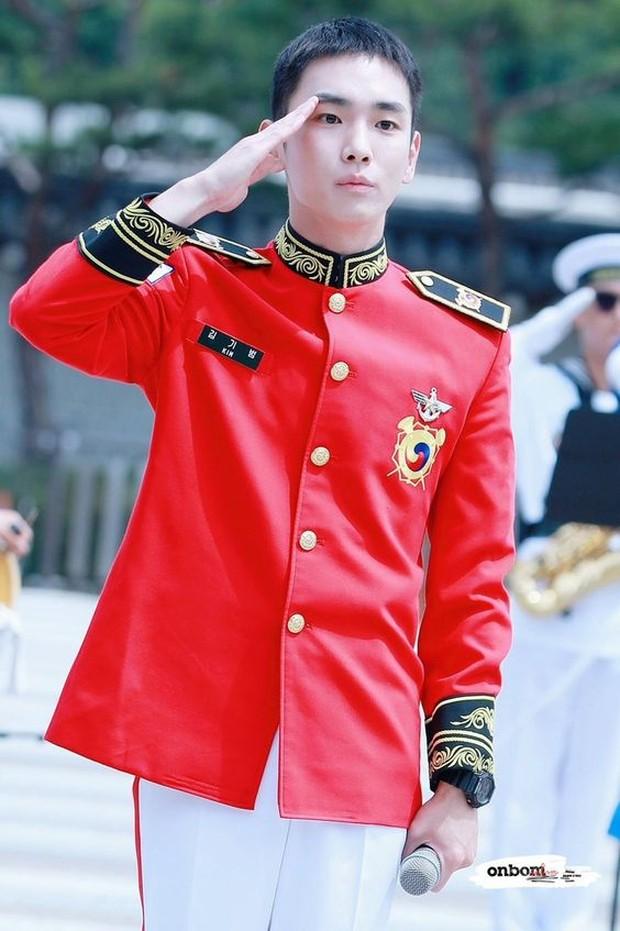 Key Shinee akan keluar wajib militer pada tanggal 7 Oktober mendatang.
