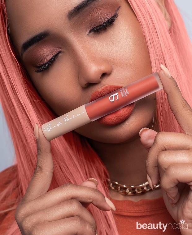 Lipstick orange