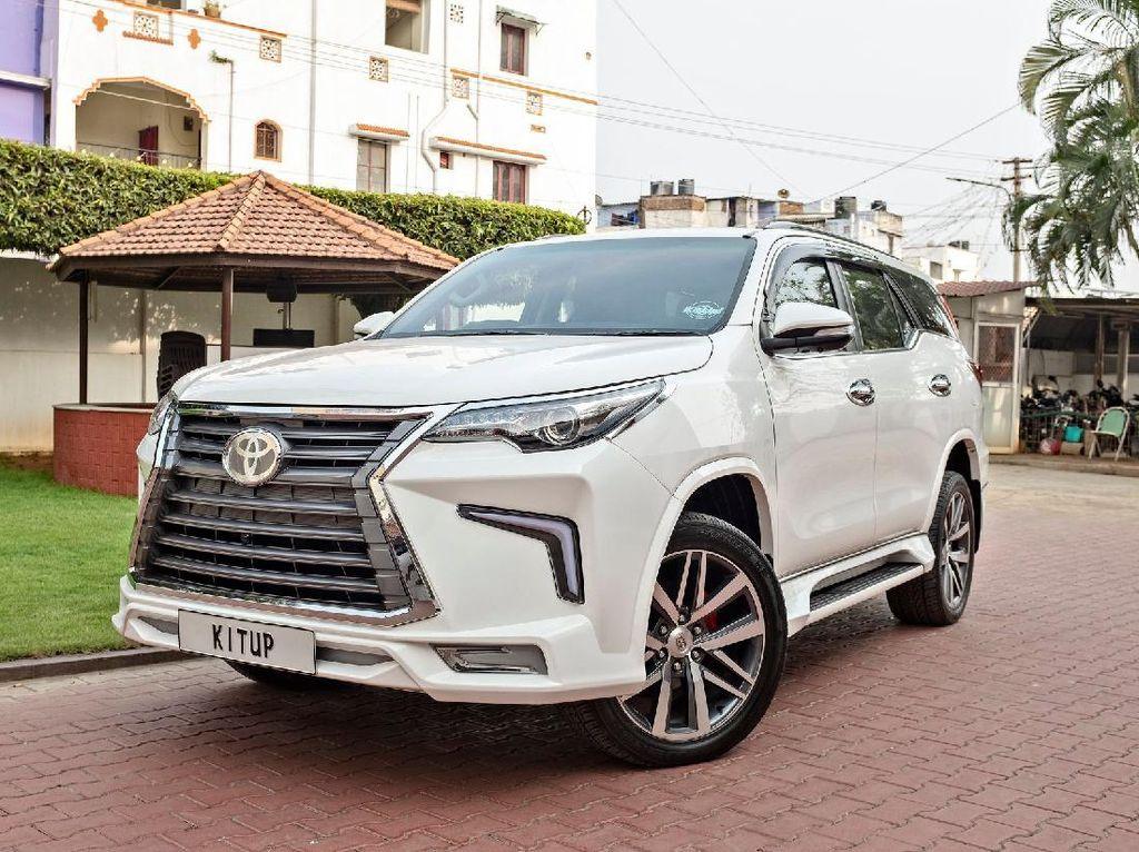 Modifikasi Fortuner Berwajah Lexus, Jadi Mirip Mobil Prabowo Nih!