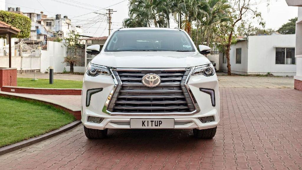 Penampakan Fortuner yang Dimodifikasi Semirip Mobil Lexus Prabowo