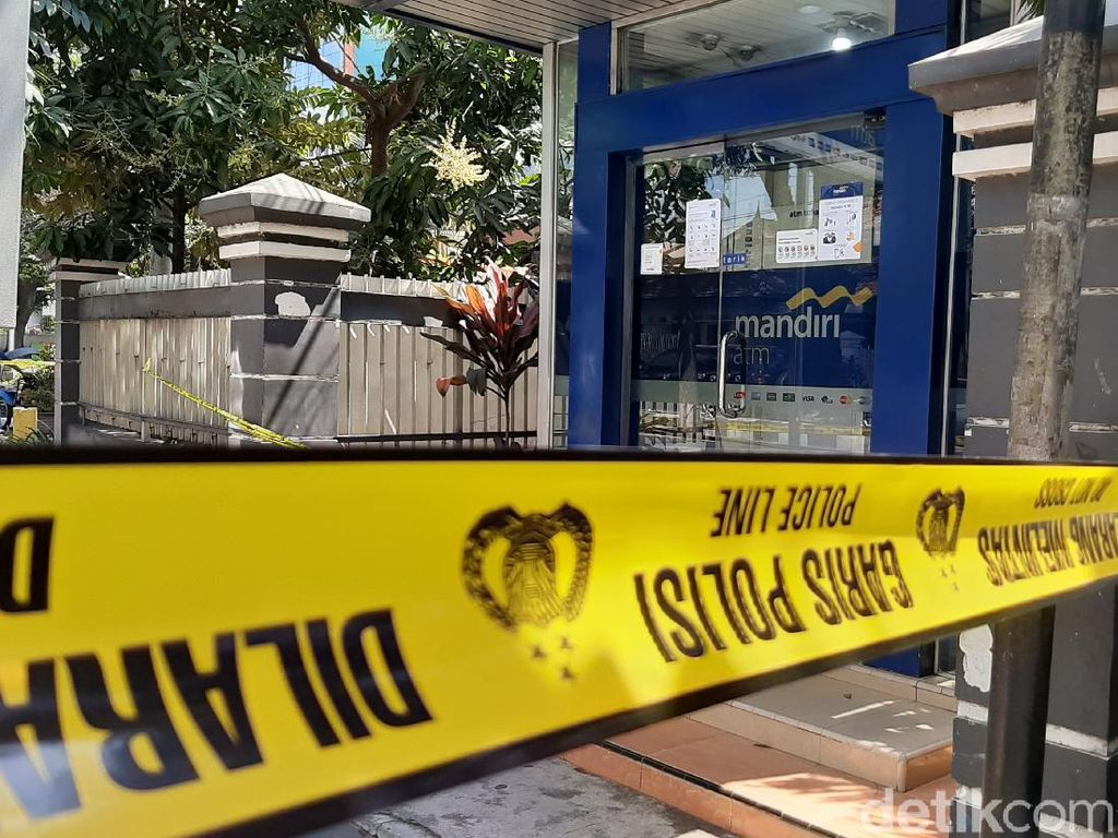 Cerita Sekuriti Ditembak 3 Kali Perampok Mesin ATM di Malang
