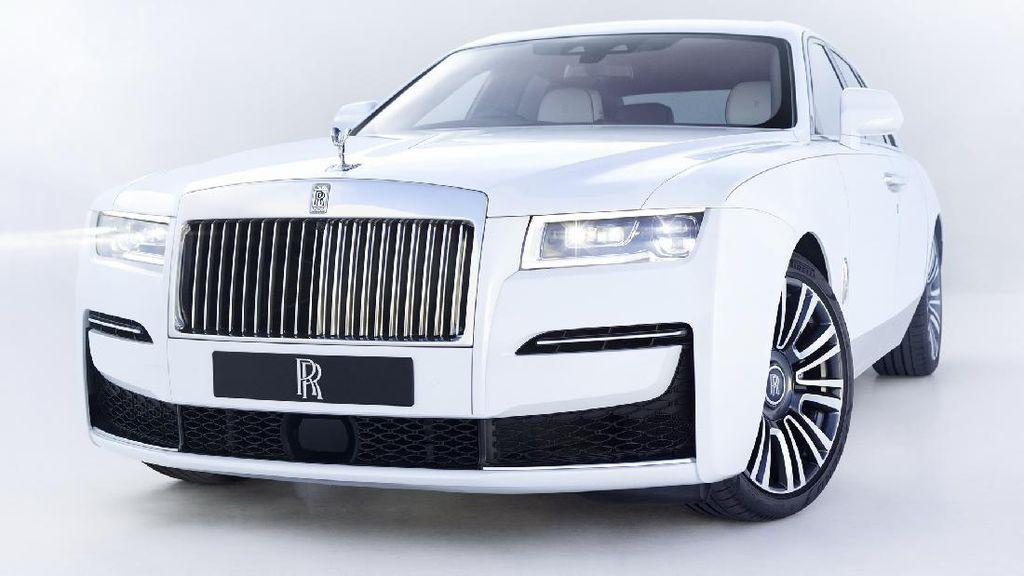 Lebih Dekat Dengan Rolls-Royce Ghost yang Dihargai Rp 4,8 M
