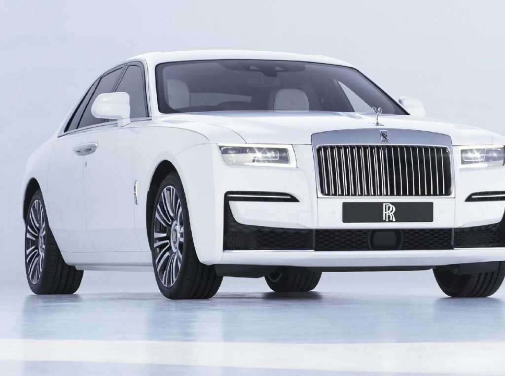 Rolls-Royce Ghost Terbaik Akhirnya Meluncur,. Harganya 4,8 M