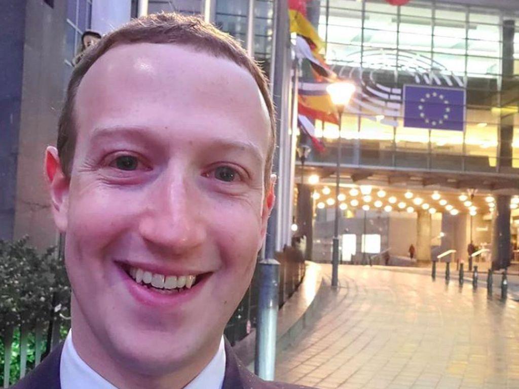 Zuckerberg Kritik Toko Aplikasi iPhone dan Puji Android