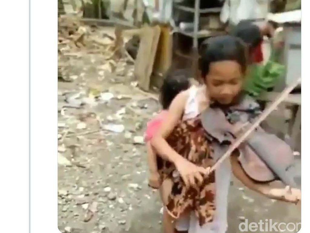 Remaja Surabaya Lihai Main Biola Sambil Gendong Adik Dapat Perhatian Addie MS