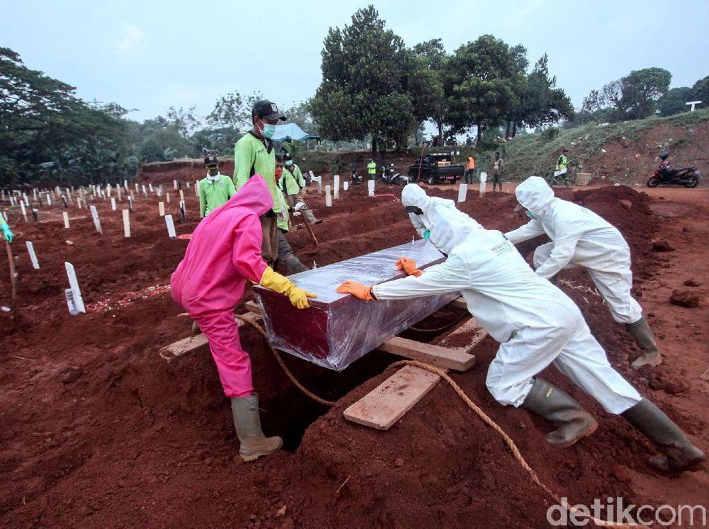 Liang Lahad untuk Jenazah Corona di TPU Pondok Ranggon Tersisa 1.100