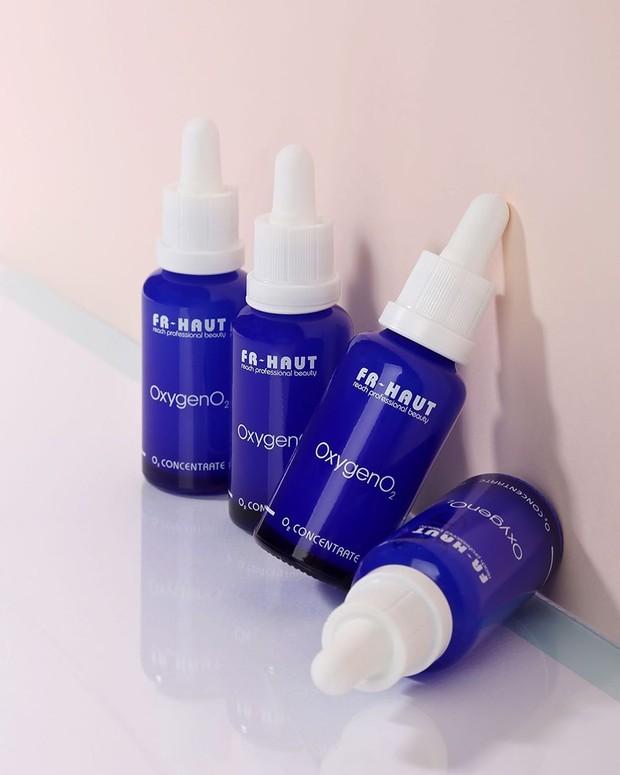 Selanjutnya Somi menggunakan serum dari produk Freihaut.