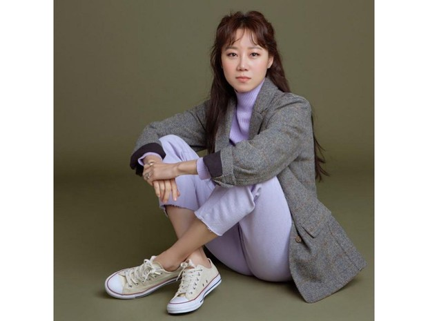 Aktris cantik kelahiran 4 April 1980, hingga saat ini masih senang dengan kesendiriannya.