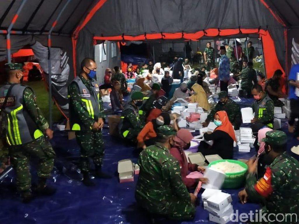 150 TNI Bantu Dapur Umum COVID-19 untuk Klaster Ponpes Darussalam