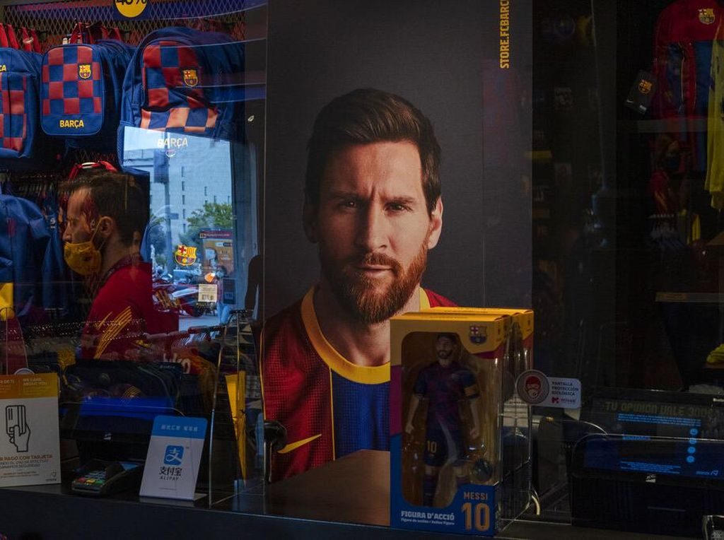 Jersey Baru Barcelona Sudah Dijual, Messi Masih Nongol