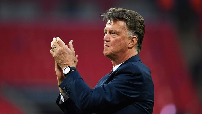 LONDON, ENGLAND - MAY 21:  Louis van Gaal Manager of Manchester United applauds the fans after winning The Emirates FA Cup Final match between Manchester United and Crystal Palace at Wembley Stadium on May 21, 2016 in London, England. Man Utd won 2-1 after extra time.  (Photo by Mike Hewitt/Getty Images)