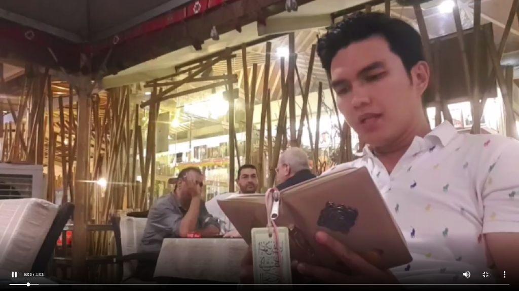 Momen Aldi Taher Ngaji di Restoran sampai Coffee Shop