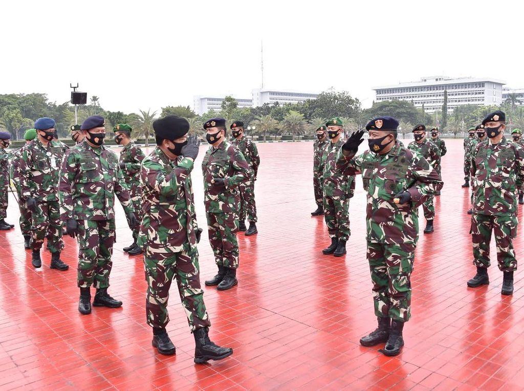 91 Perwira Tinggi TNI Naik Pangkat, Termasuk Pangkostrad Letjen Eko Margiyono