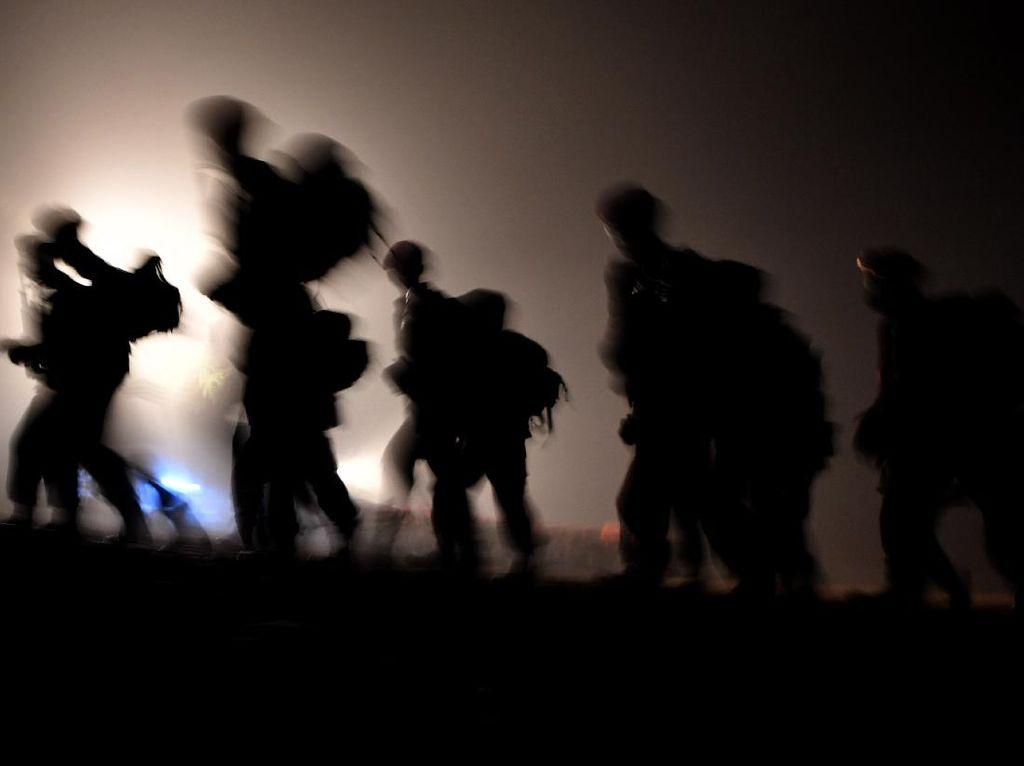 Foto-foto Pembaretan Prajurit Hantu Laut Marinir