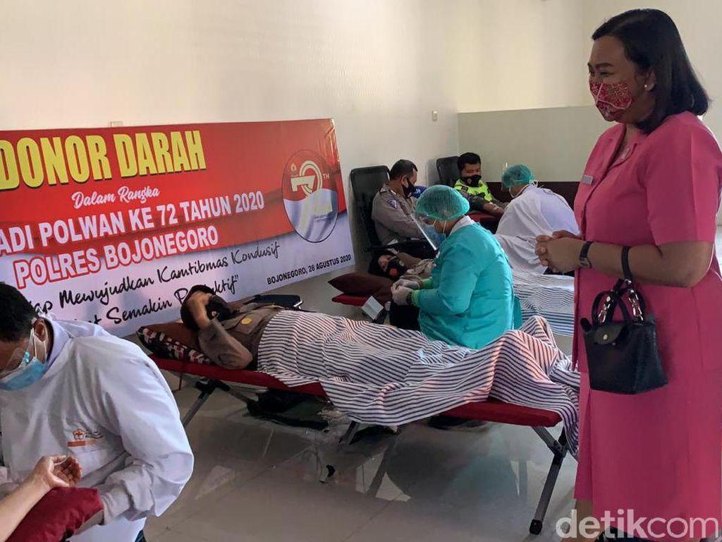 Polwan di Bojonegoro Gelar Donor Darah di Hari Jadi ke-72