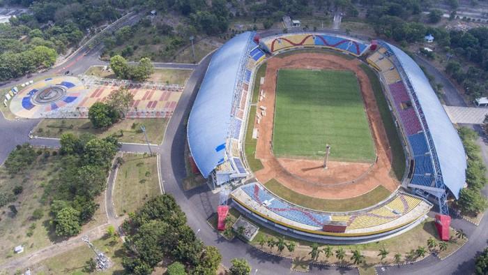 Foto udara stadion Gelora Sriwijaya Jakabaring (GSJ), Jakabaring Sport City (JSC), Palembang, Sumatera Selatan, Selasa (1/9/2020). Renovasi salah satu stadion yang ditunjuk sebagai tuan rumah Piala Dunia U-20 2021 tersebut ditargetkan dapat rampung Desember 2020.  ANTARA FOTO/Nova Wahyudi/foc.