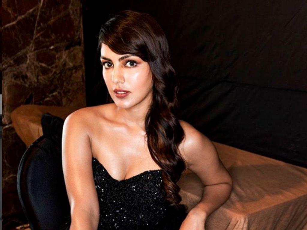 Rhea Chakraborty, Kekasih Sushant Singh yang Terkait Kasus Narkoba