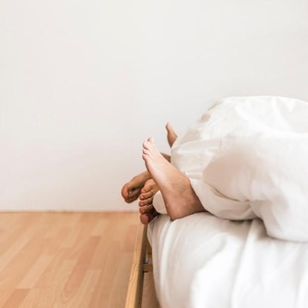 Meskipun infeksi menular seksual ini biasanya bermanifestasi di area genital, beberapa penyakit menular seksual juga dapat muncul di mulut dan tenggorokan.