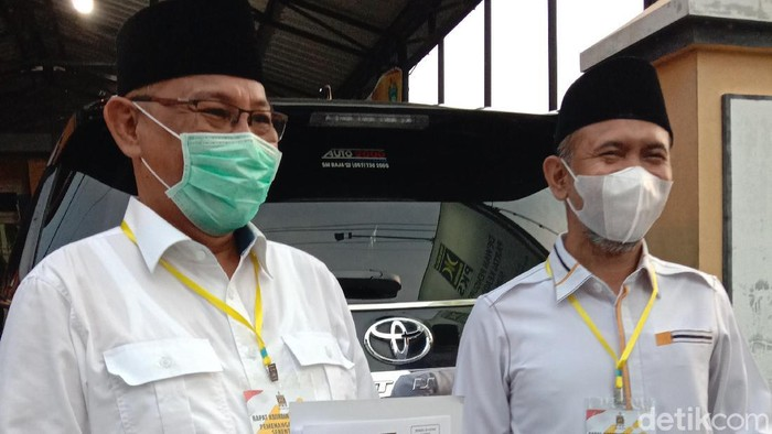 Bakal calon wali kota petahana, Akhyar Nasution bersama Salman Alfarisi mendapat rekomendasi dari PKS untuk maju di Pilkada Medan 2020 (Ahmad Arfah/detikcom)