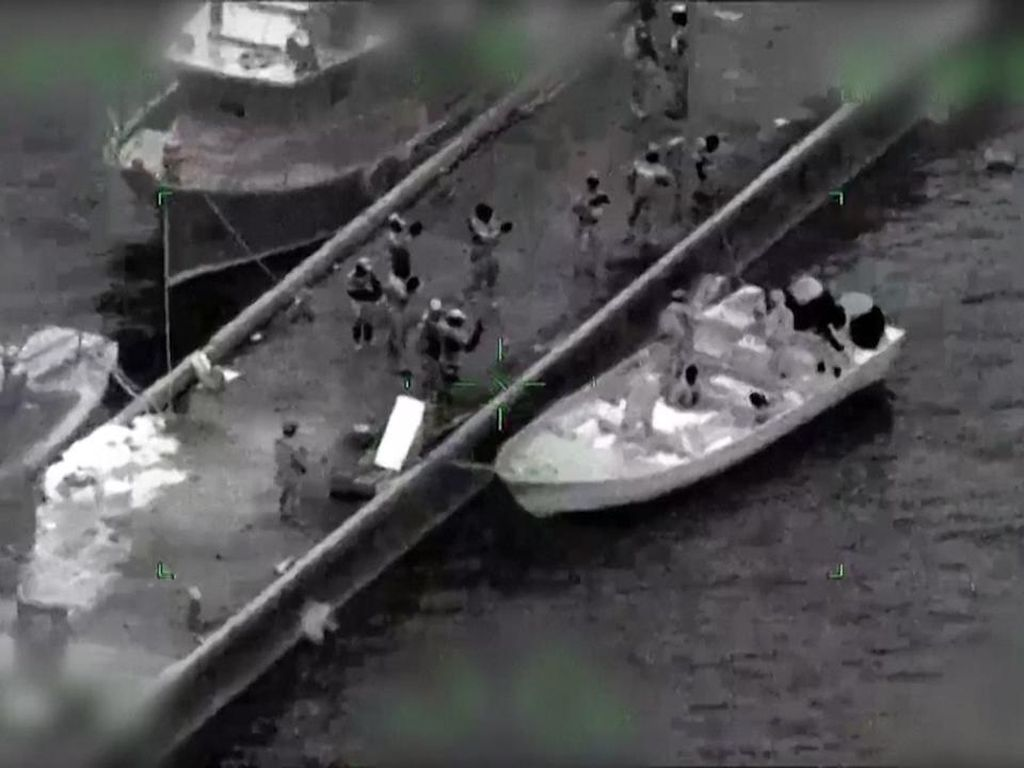 Detik-detik Tentara Meksiko Sergap Kapal Berisi 2,9 Ton Kokain